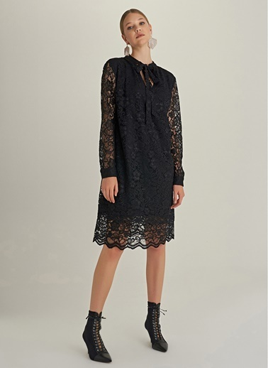 NGSTYLE Dantel Bağlama Detaylı Elbise Siyah